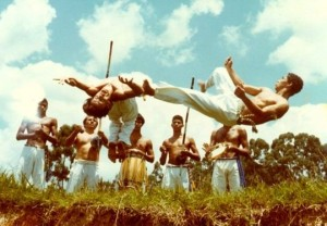 Read more about the article Why you should try Capoeira (by Virtual)